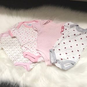 Set of 4 baby bodysuits 0-3M